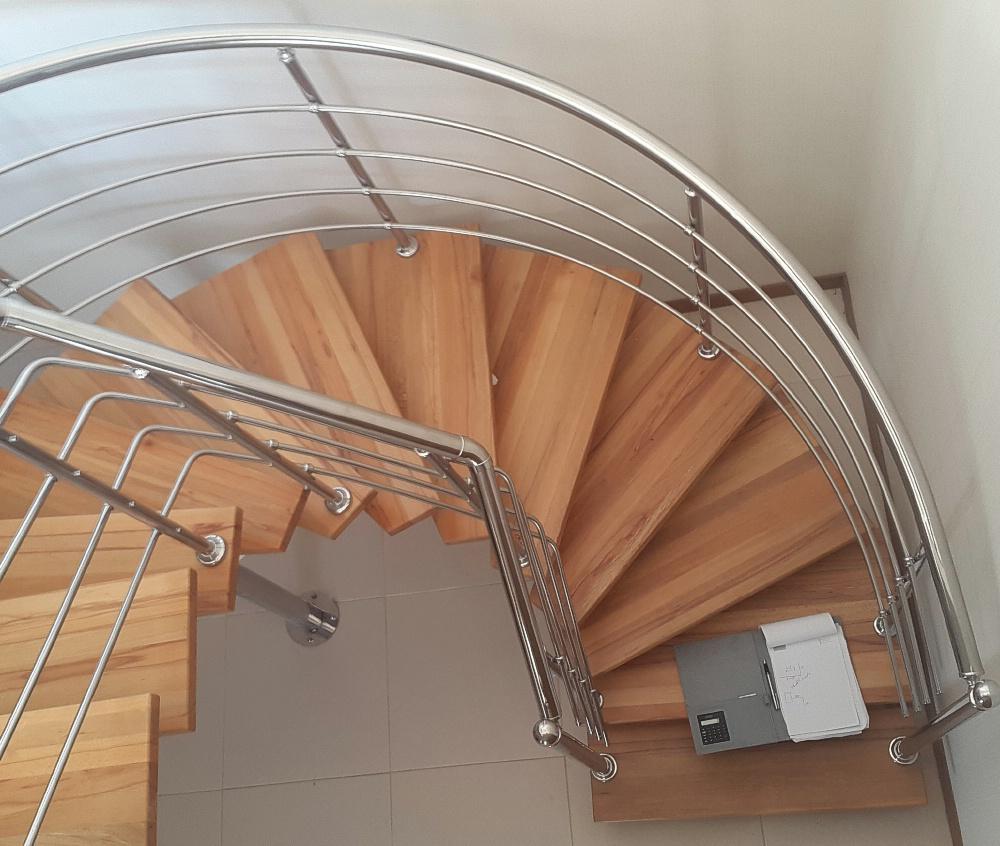 Accesorios decorativos de acero inoxidable sin soldadura tubo de PVC ranurado