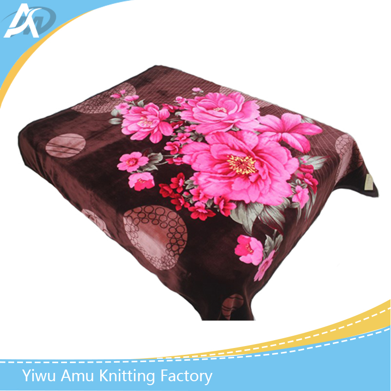 Popular China factory hight quality polyester raschel blanket King Size household dubai blanket