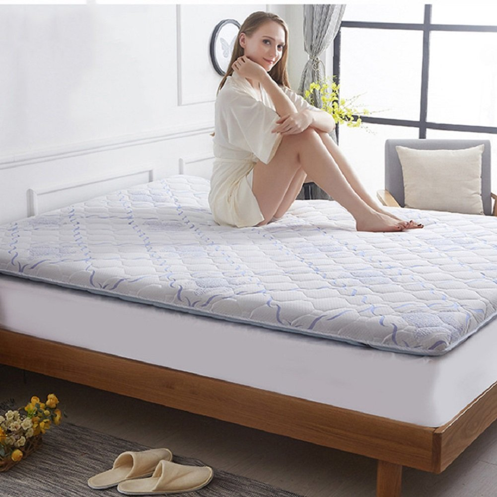 Should you sleep naked