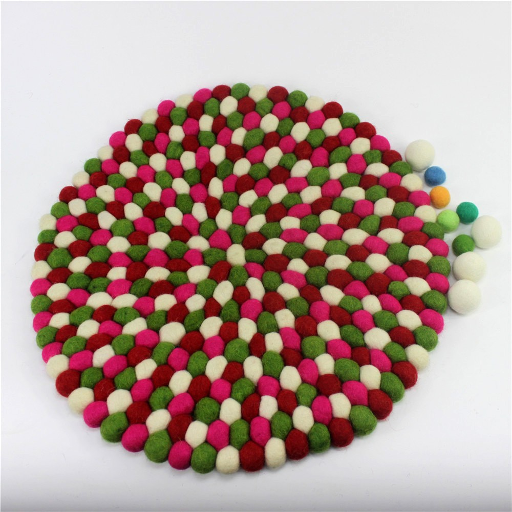 Good quality Low price round Felt ball cushion
