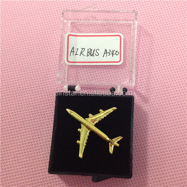 2017 New Products 3D Metal Airplane Lapel Pin Mini Airplane Model
