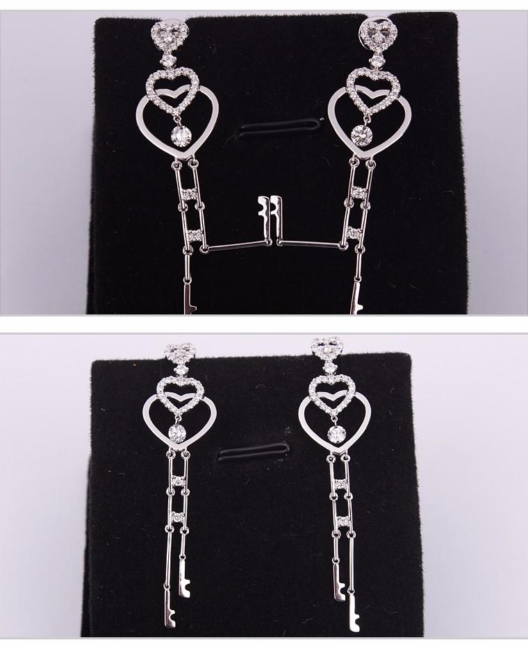 2-years Repair Promise Hanging Tanishq Diamond Earrings - Buy ...