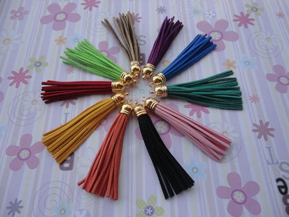 Fashion jewelry leather colorful tassel charms wholesale tassel pendant jewelry