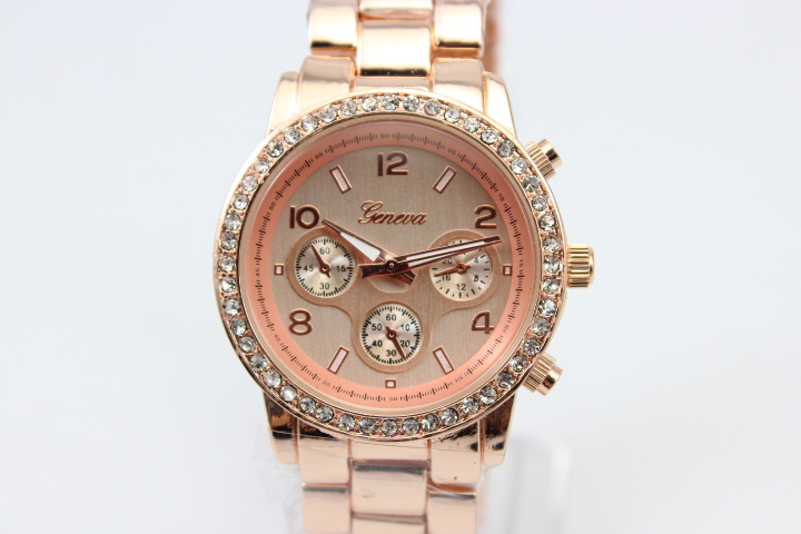 50pcs/lot,Women Rhinestone Watches Shiny Dress Watches Steel fashion Geneva Quartz ladies Analog watches Crystal bracelet
