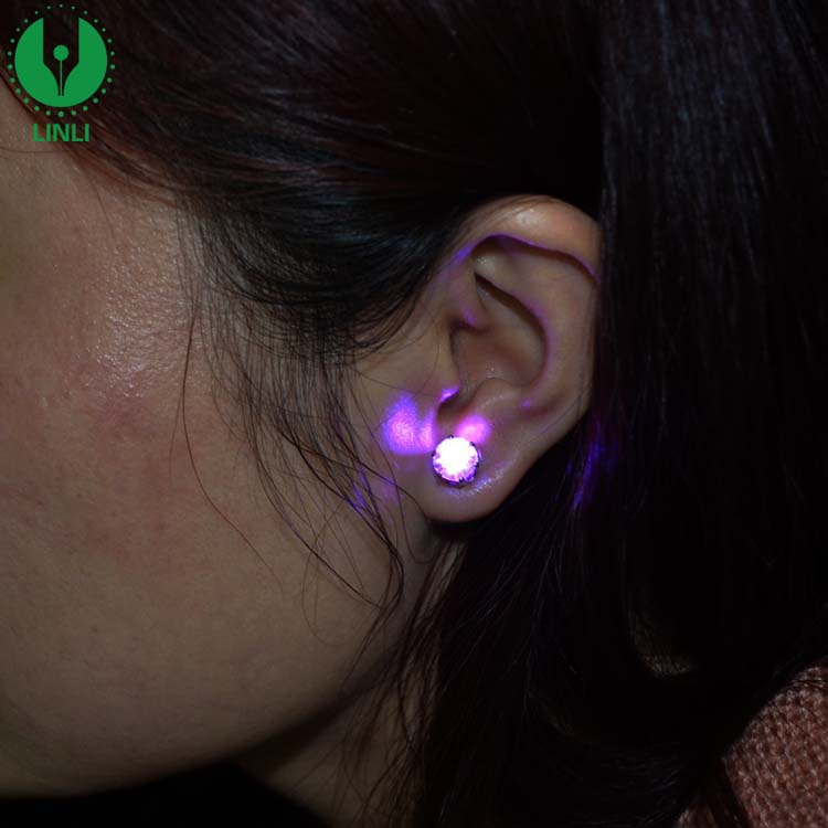 Hot Selling Color Changing Light Up Earrings Flashlight Led Light Earring For Gift