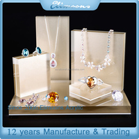 Custom Luxury Large Crystal Clear Necklace Ring Pendant Acrylic Jewelry Display Set for Store Showcase