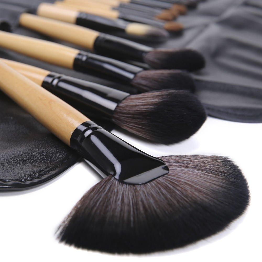 Emylike Makeup Brushes- Studio Quality Makeup Brushes Set 24pcs Professional Powder Eyeshadow Eyeliner Lip Brush Tool with Leather Pouch, 24 Count (Nature Wood)