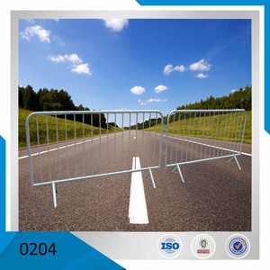 Hot dip galvanized road block steel traffic barrier with fix legs