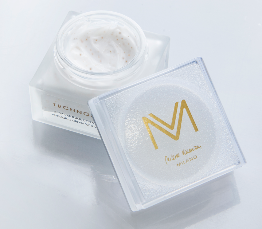 Anti- aging Cream Made In Italy with 99.99% gold flakes for skin care