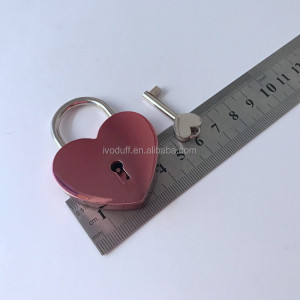 Manufacture Plated Red Color Heart Key Padlock