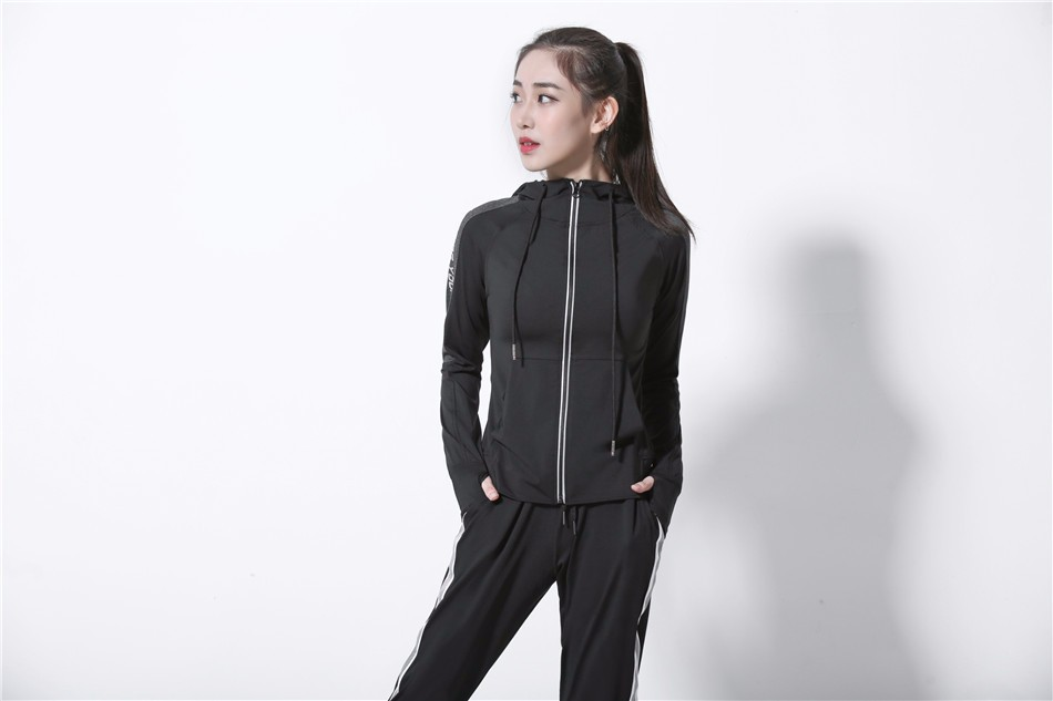Women's Jackets 2018 New Long Sleeve Running Coat Yoga Gym Fitness Tight Tops Quick-Dry Breathable Sports Jacket Women 10