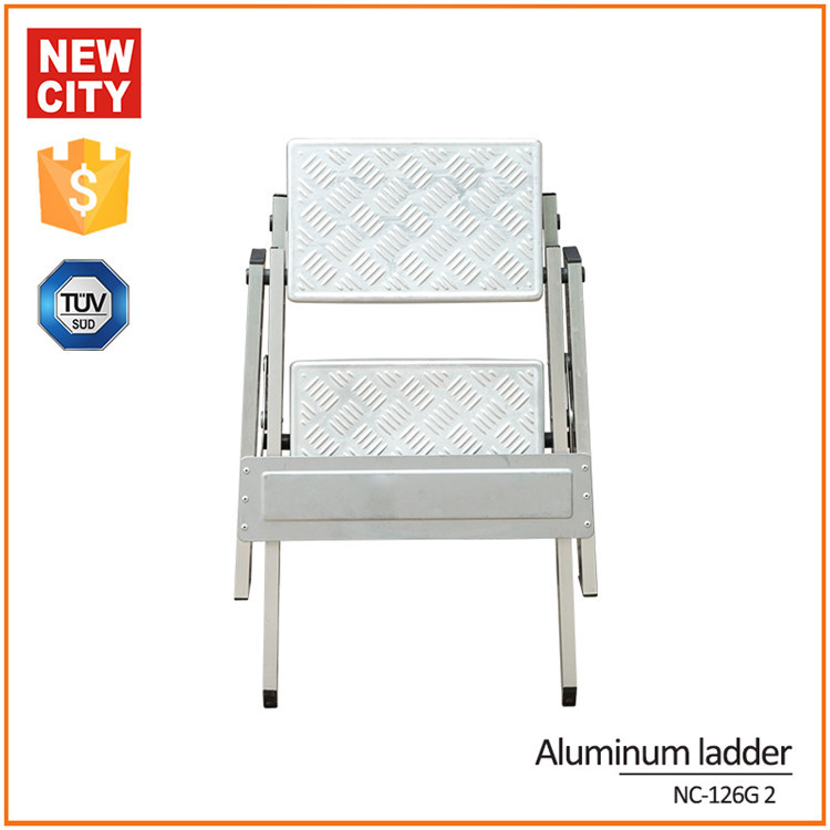 150kg Maximum Load Folding Low Level Aluminium Ladder