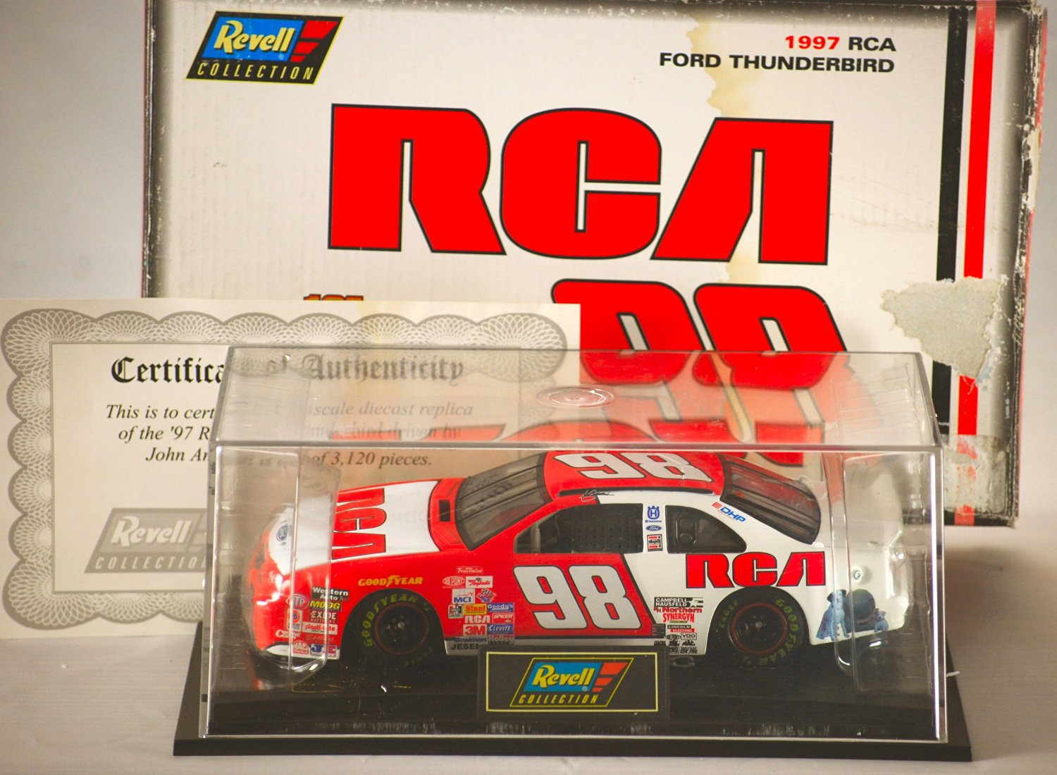 1997 - Revell-Monogram Inc / NASCAR - John Andretti #98 - RCA Car - Ford Thunderbird - 1:24 Scale Die Cast - Display Case & COA - 1 of 3,120 Produced - Rare - Out of Production - Limited Edition - Collectible