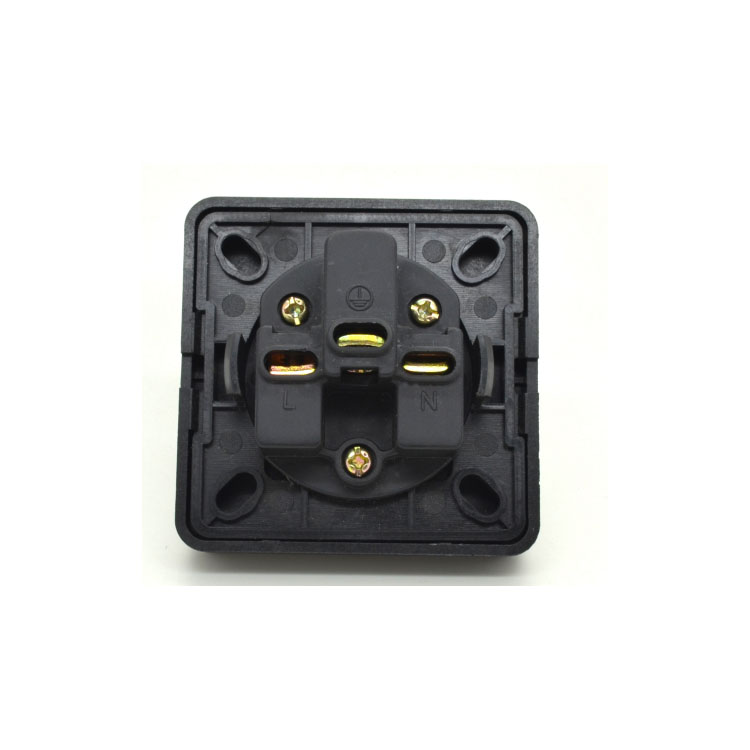 BS1363 Standaard UK waterdichte socket IP44 13A UK socket met cover fabrikant