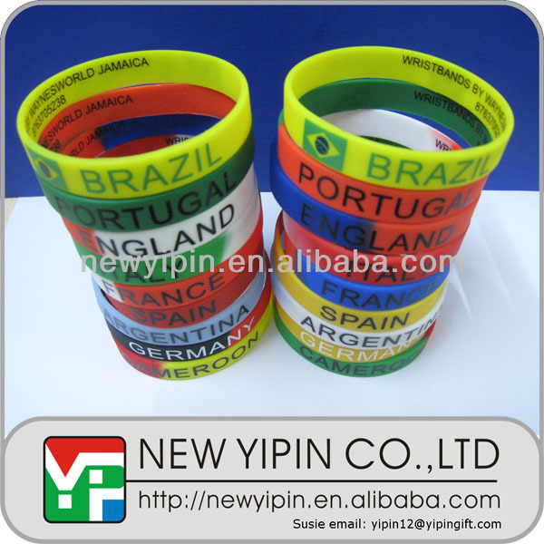 Direct factory silicone rubber hand band bracelet with country name for 2014 Brazil world up soccer ball