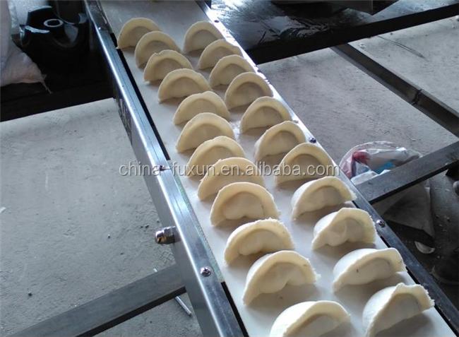 Newest type samosa folding maker/empanada curry puff making machine/russia dumpling machine