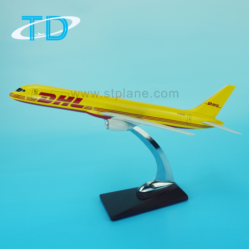 Cargo Aircraft Model 1:100 47cm Resin Craft B757-200