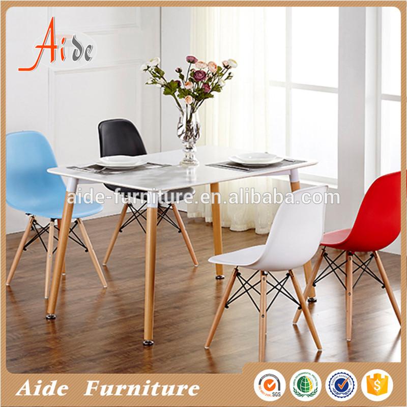 Wholesalers hot sales competitive price comfortable leisure chair wood legs dining feeding chairs