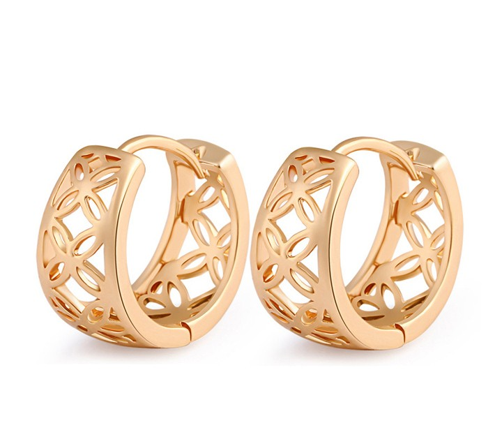 China Wholesale Hollowed 18k Real Gold Plated Hoop Earrings 2017
