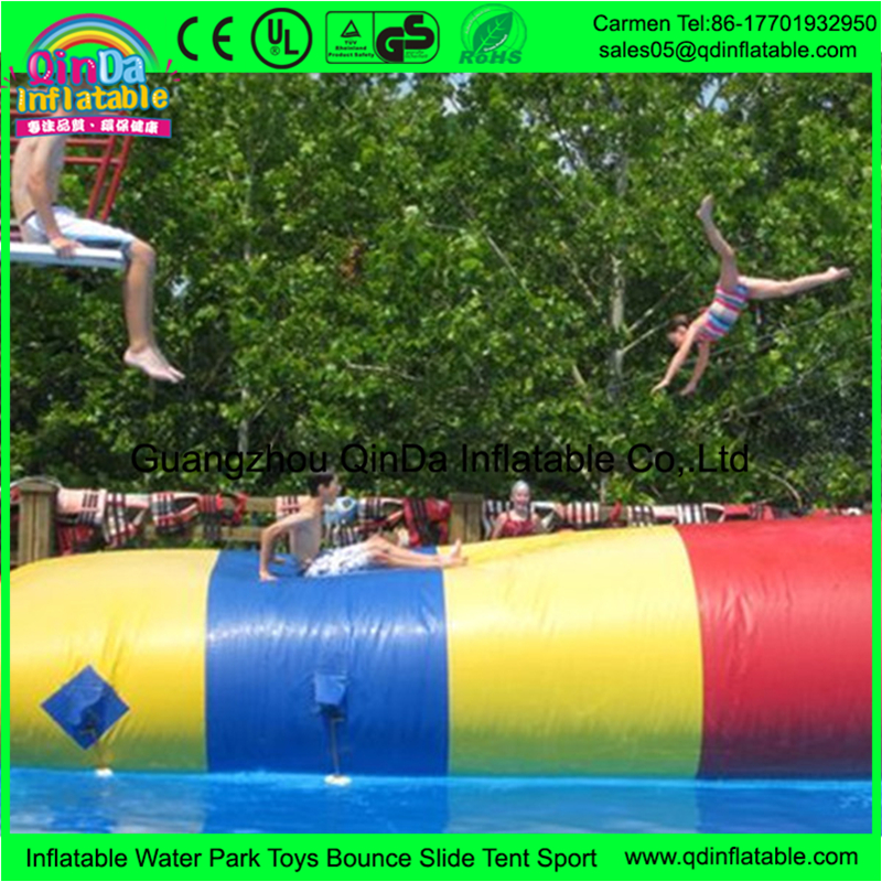 Guangzhou manufacturer supplies airtight PVC inflatable water blob tubes used for lake or sea