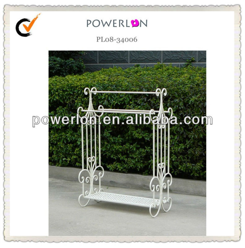 classic metal bathroom towel rack