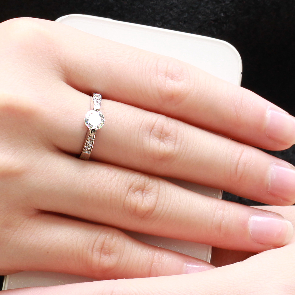 2018 New Arrival Women Jewelry Wedding Design Silver Zircon Ring