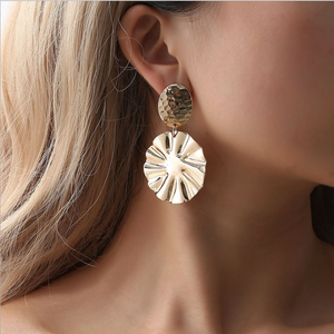 European and American hot style popular jewelry to show off crystal earrings