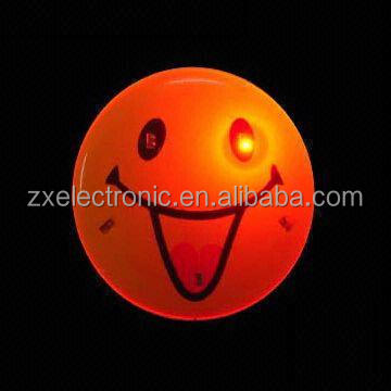 Happy Face with Led Design Flashing Badge for Promotion