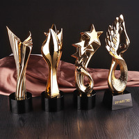 New design crystal trophy star crystal award wholesale sports trophy in china
