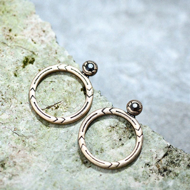 Artilady mysterious hoop earrings for women's wholesale manufacturers pattern of foreign <strong>trade</strong>