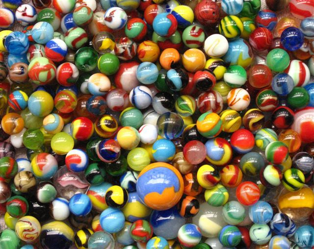 Antique glass marbles are highly collectible, from handmade examples by German glassmakers of the s to vintage marbles made by machine in the early 20th century by U.S. companies like Christensen, Peltier Glass, Akro Agate, and Vitro Agate.