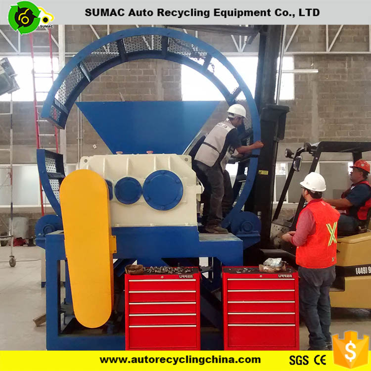 Tire shredder of crumb rubber plant