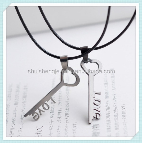 Factory direct sale love symbol stainless steel fashion silver key pendant necklace meaning
