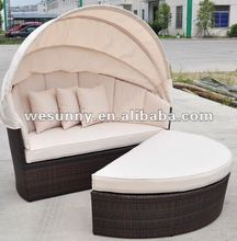 Outdoor wicker daybed beach rattan sun lounger bed with canopy