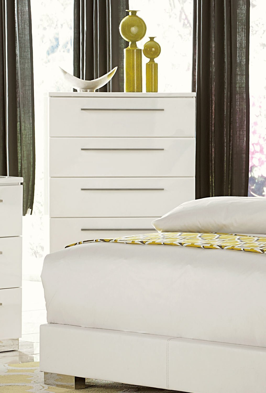 Lisle 5 Drawer Tall Chest in White High Gloss Lacquer