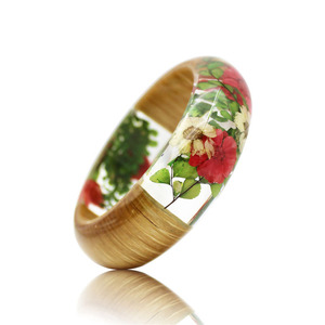 Beautiful girls red dried flower clear resin wood bracelet bangle