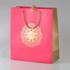 /product-detail/customized-luxury-red-gift-bag-gold-hot-stamping-logo-personalized-gift-bags-paper-bag-62012736489.html