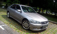 YOM: 2003 TOYOTA LEXUS IS 200