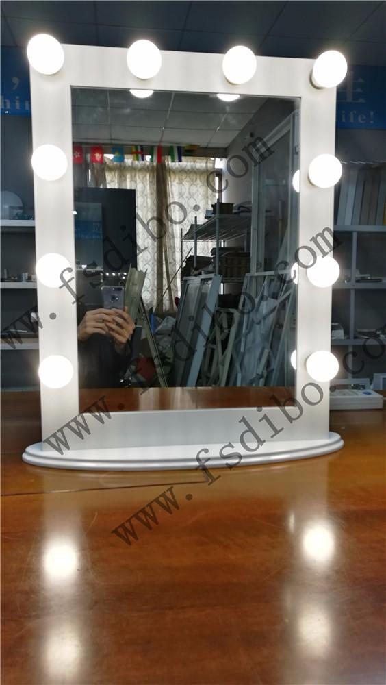 hollywood spiegel mit gl hbirnen schminktisch spiegel mit led leuchten led kosmetikspiegel buy. Black Bedroom Furniture Sets. Home Design Ideas
