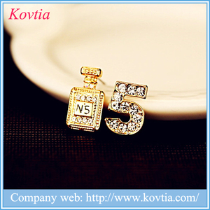China imitation earrings gold diamond earrings jewelry number 5 stud earring