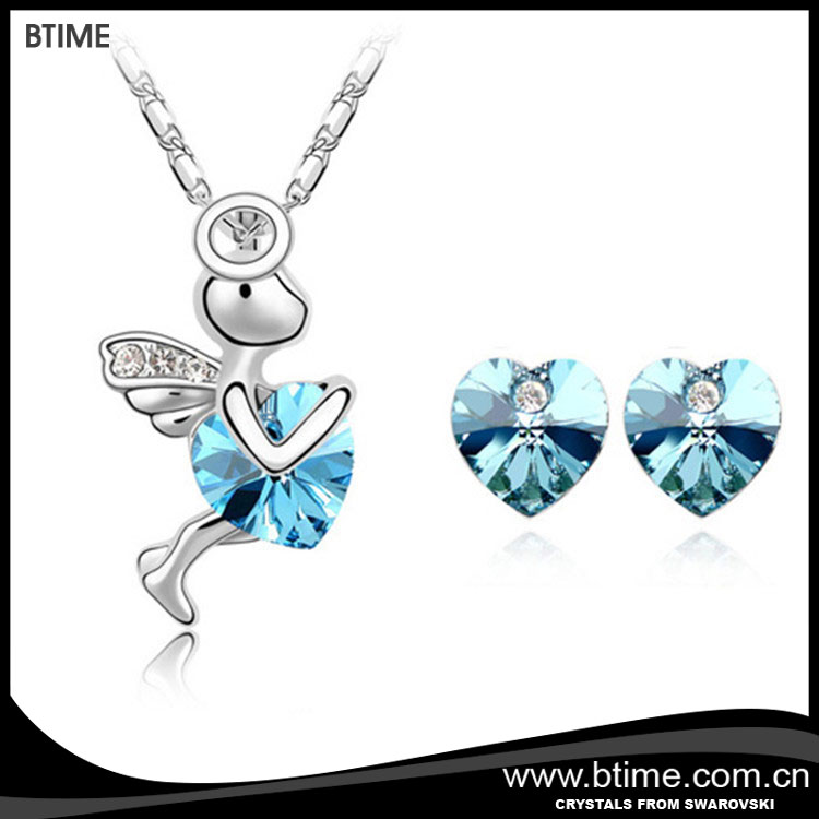 2017 design cute angel pendant necklace jewelry set crystals from Swarovski