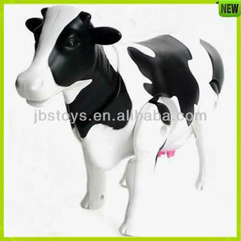 333-33 Plastic Sounding Battery Operated Cow Toy
