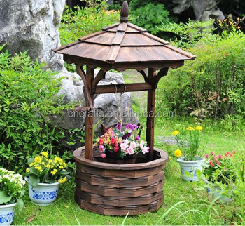 Decorative Wooden Wishing Well Garden