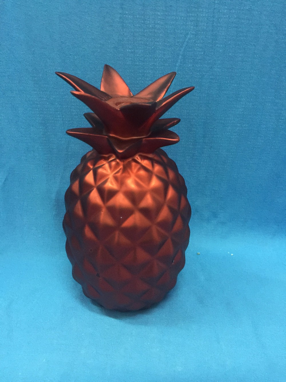 Oem ceramic wholesale artificial fruit pineapple christmas for Artificial pineapple decoration fruit