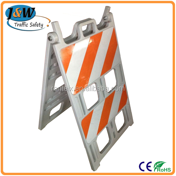 Road Construction A Shape Plastic Traffic Barrier / Plastic Traffic Barricade