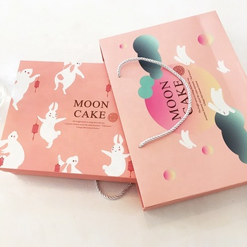 Recycled material pink  gift  bakery box custom printing card paper bakery packaging boxes with handles bag