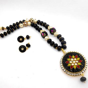 Designer jaipuri crystal pendant necklace design buy crystal bead designer jaipuri crystal pendant necklace design mozeypictures Choice Image
