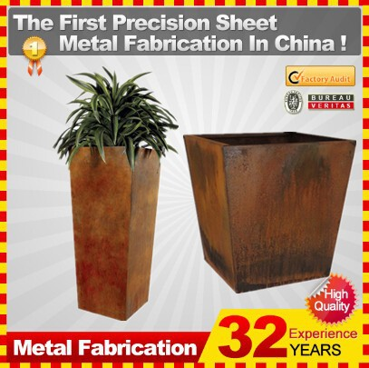 Corten Steel Rectangular Flower Planter with Traditional Complement