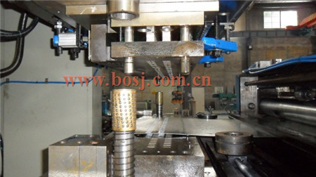sell/produce cable tray roll forming machine,metal sheet roll former,cable tray forming machinery