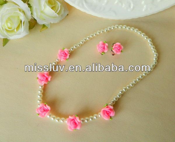 1aafa48a7bf1 Rosa Redondo Sólido Rose Collar De Perlas